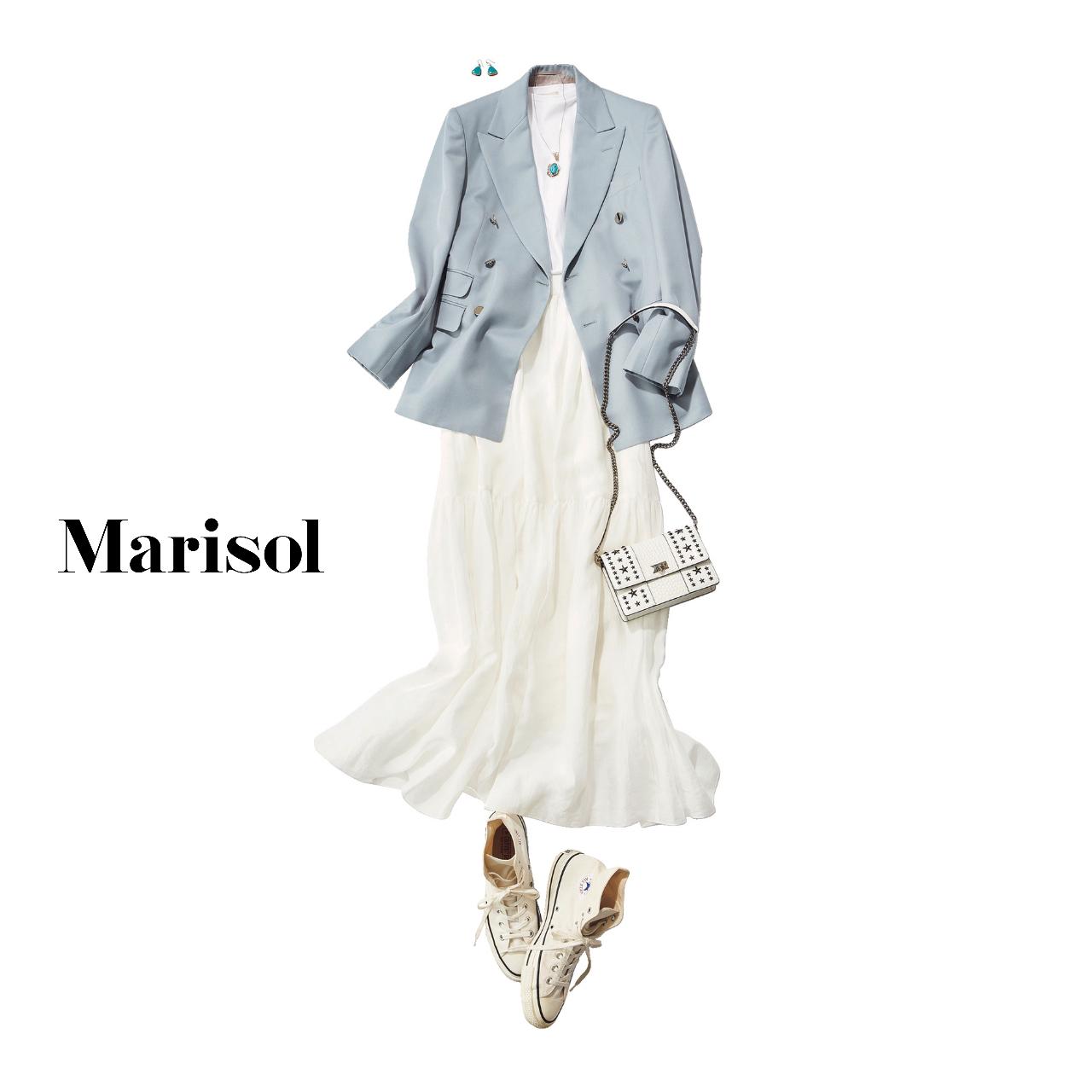 40代ファッション ブルージャケット×白スカート×スニーカー コーデ