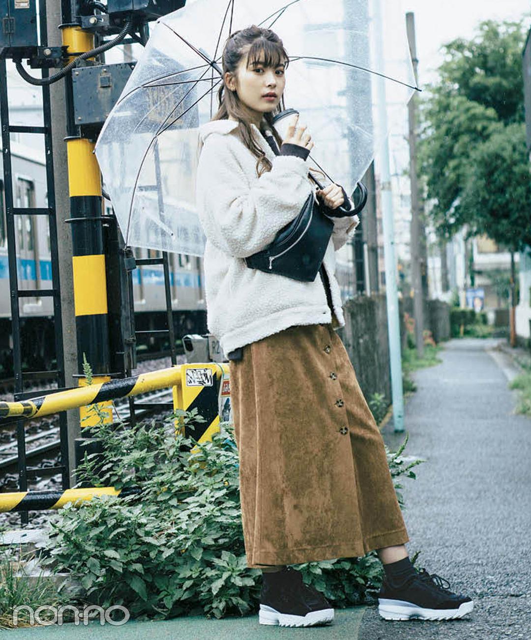 【2018秋冬スカートコーデ】ロングスカート×ボアコート×スニーカー