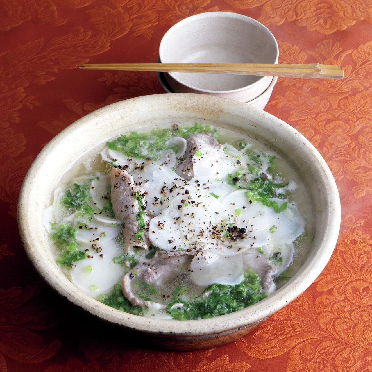 2〜3品の素材で作るシンプル鍋! 料理家ウー・ウェンさんの究極レシピ 五選_1_1-2