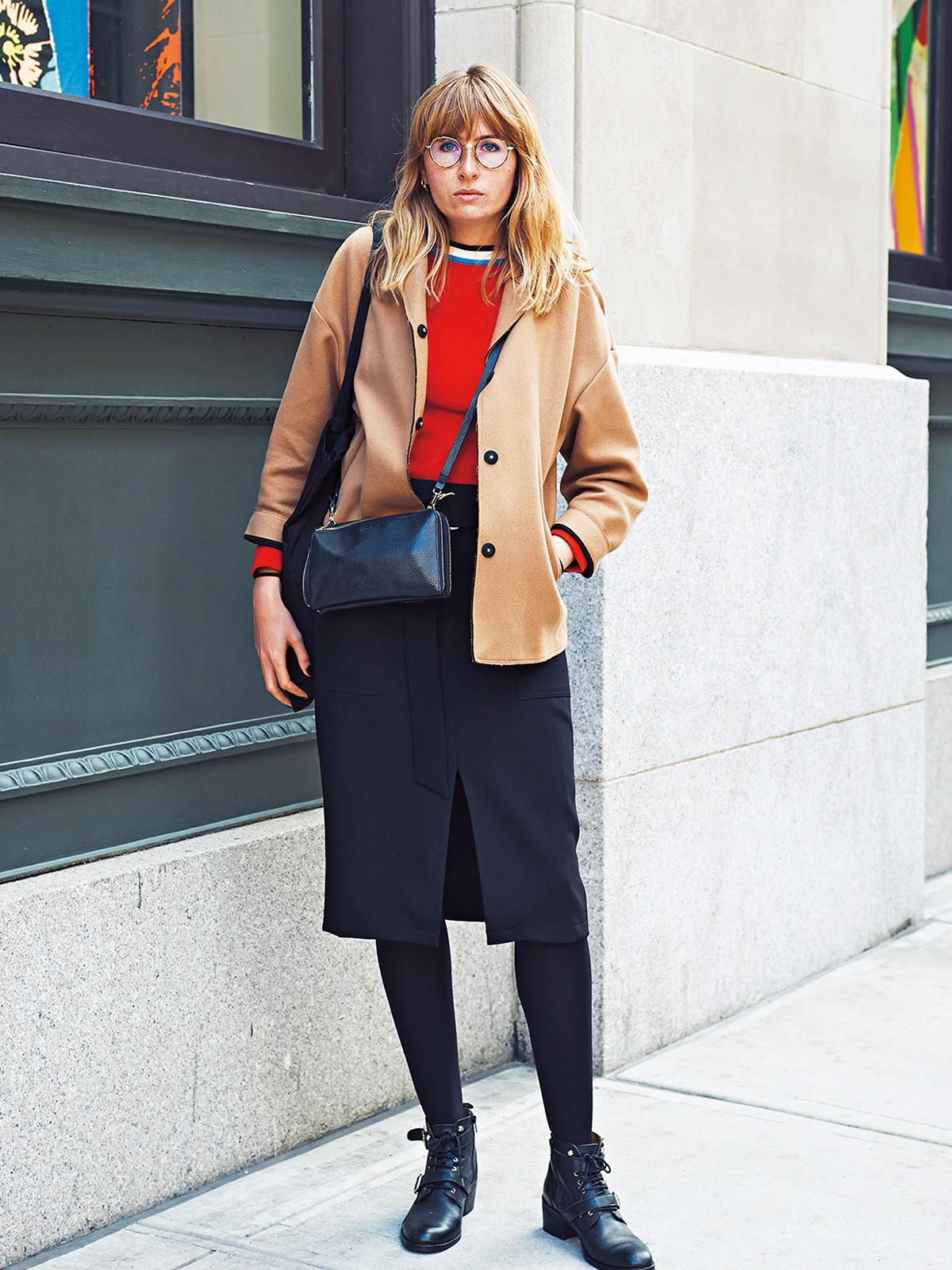 「赤のさし色」で着こなしブラッシュアップ【ファッションSNAP ミラノ・パリ・NY編】_2_2-1