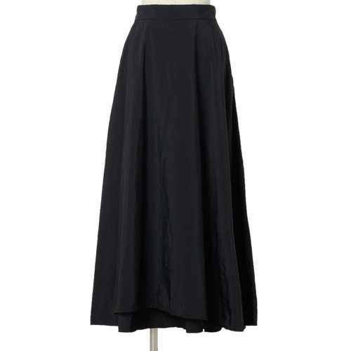 スタイリスト村山佳世子さんが提案!「ATON」の名品カットソーとスカートで作る洗練のグレーワントーン_1_3