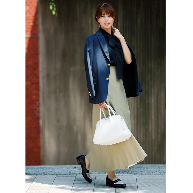 ファッション ジャケット×スカートコーデ