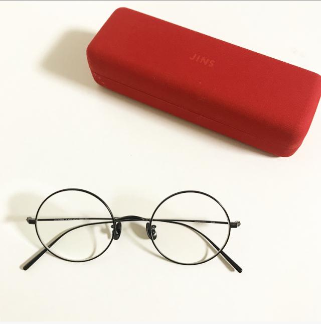 久しぶりに眼鏡を更新。新調したのは正統派だけどモード感ありな「丸メガネ」_1_1