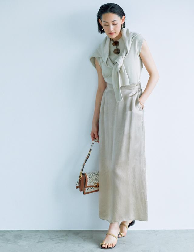辛めスカートとマニッシュなハンサムシューズコーデのLIZA