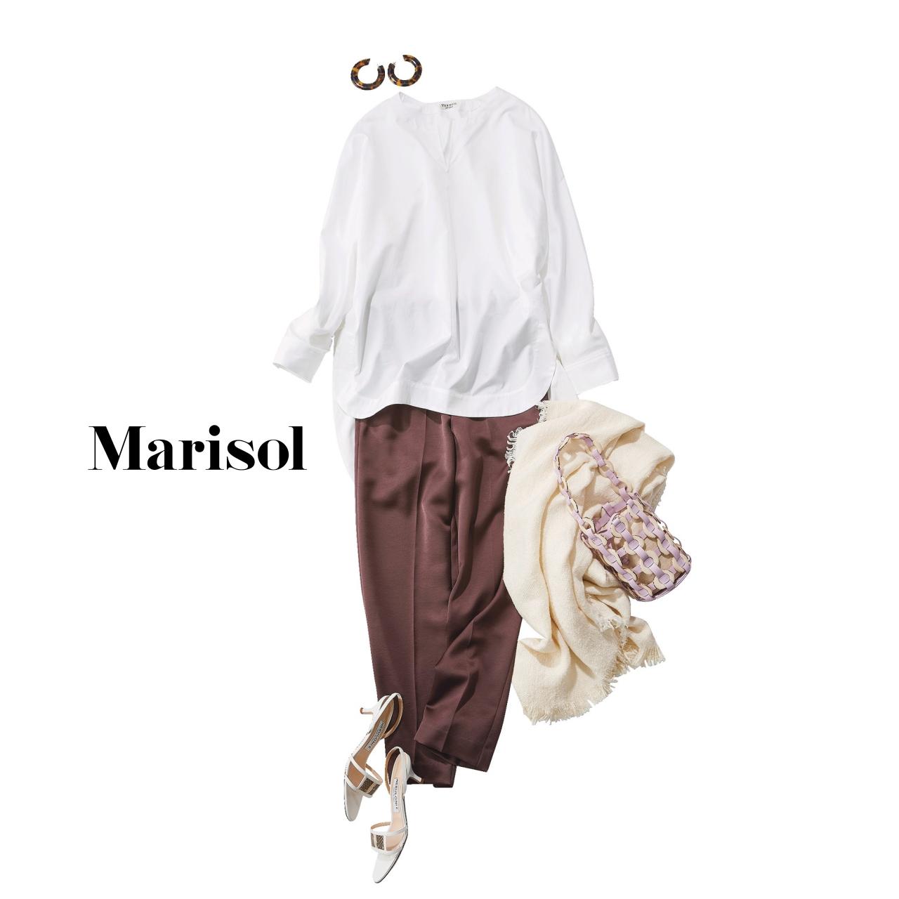 40代ファッション 白シャツ×サテン風ブラウンパンツコーデ