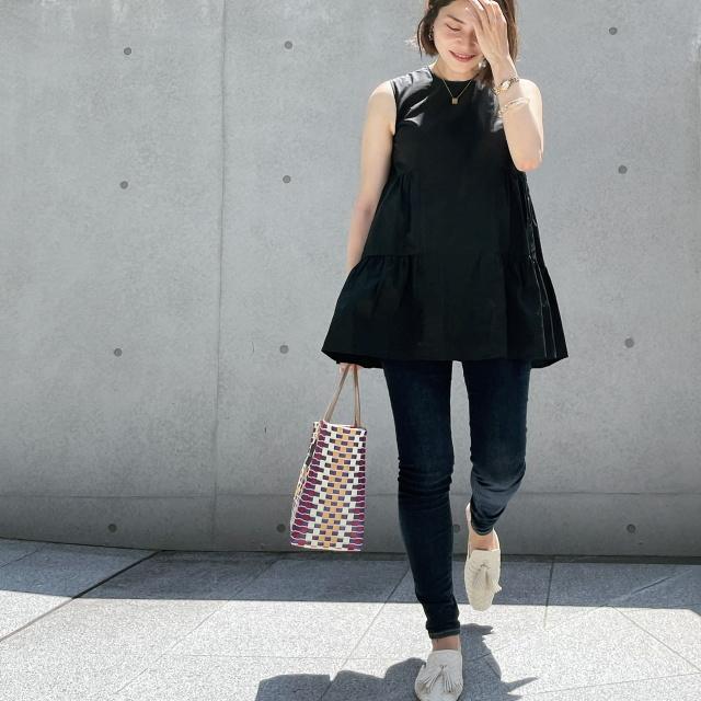 【真夏こそ映える黒コーデ】重たく見えず、シックに決まるアラフォーの黒コーデまとめ|40代ファッション_1_26