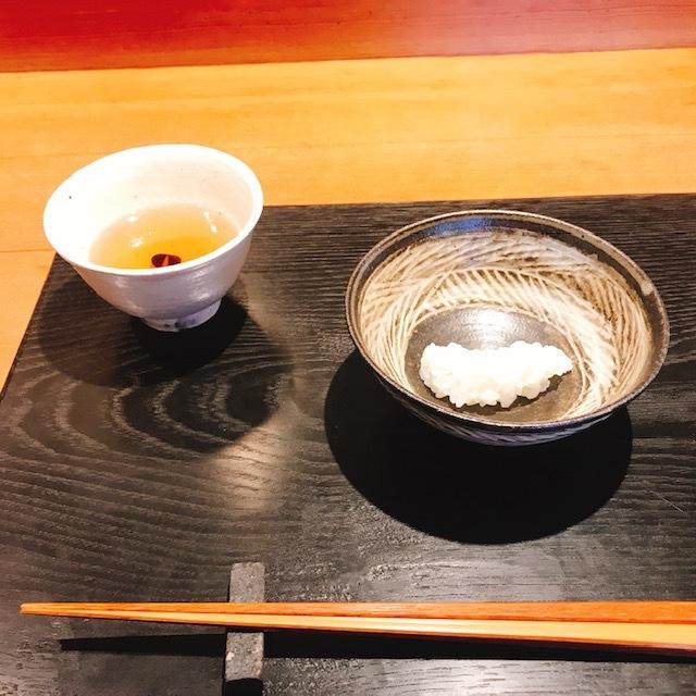 こちらが「煮えばな」ご飯を蒸らす前のもの。お米本来の甘さが感じられ絶品!食感も!!