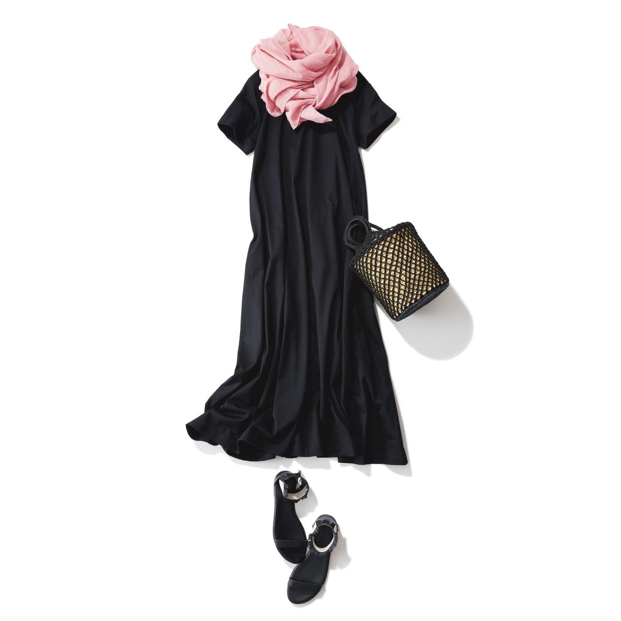 ピンクストール×カットソーワンピースのファッションコーデ