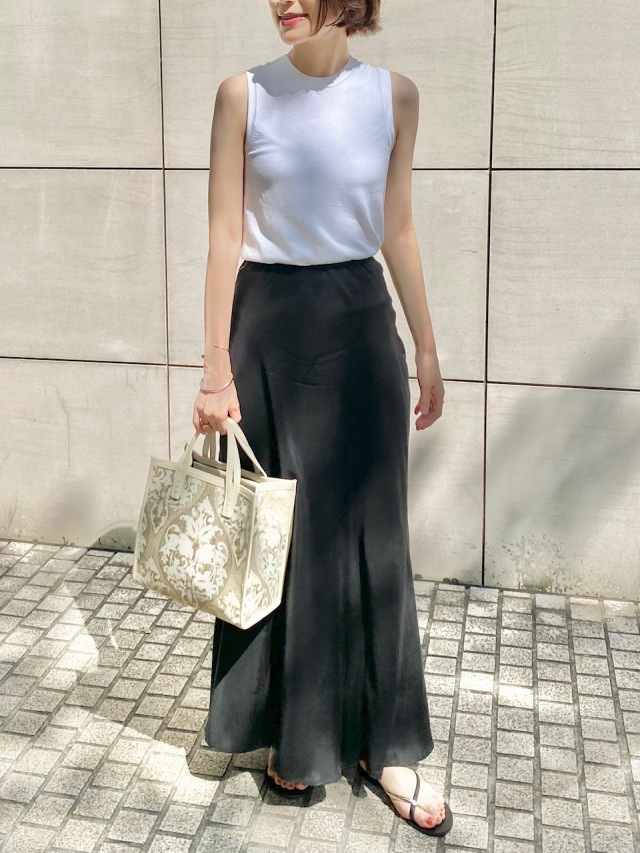 『SHAINA MOTE』のロングスカート