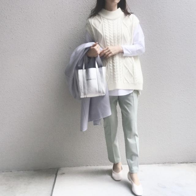 #ユニクロ 穿く度に良さを実感するパンツで春のきれい色コーデ_1_2