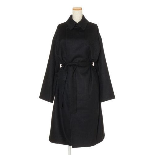 富岡佳子さんがまとう、冬の上質アイテム「ATON」のローデンコート_1_3