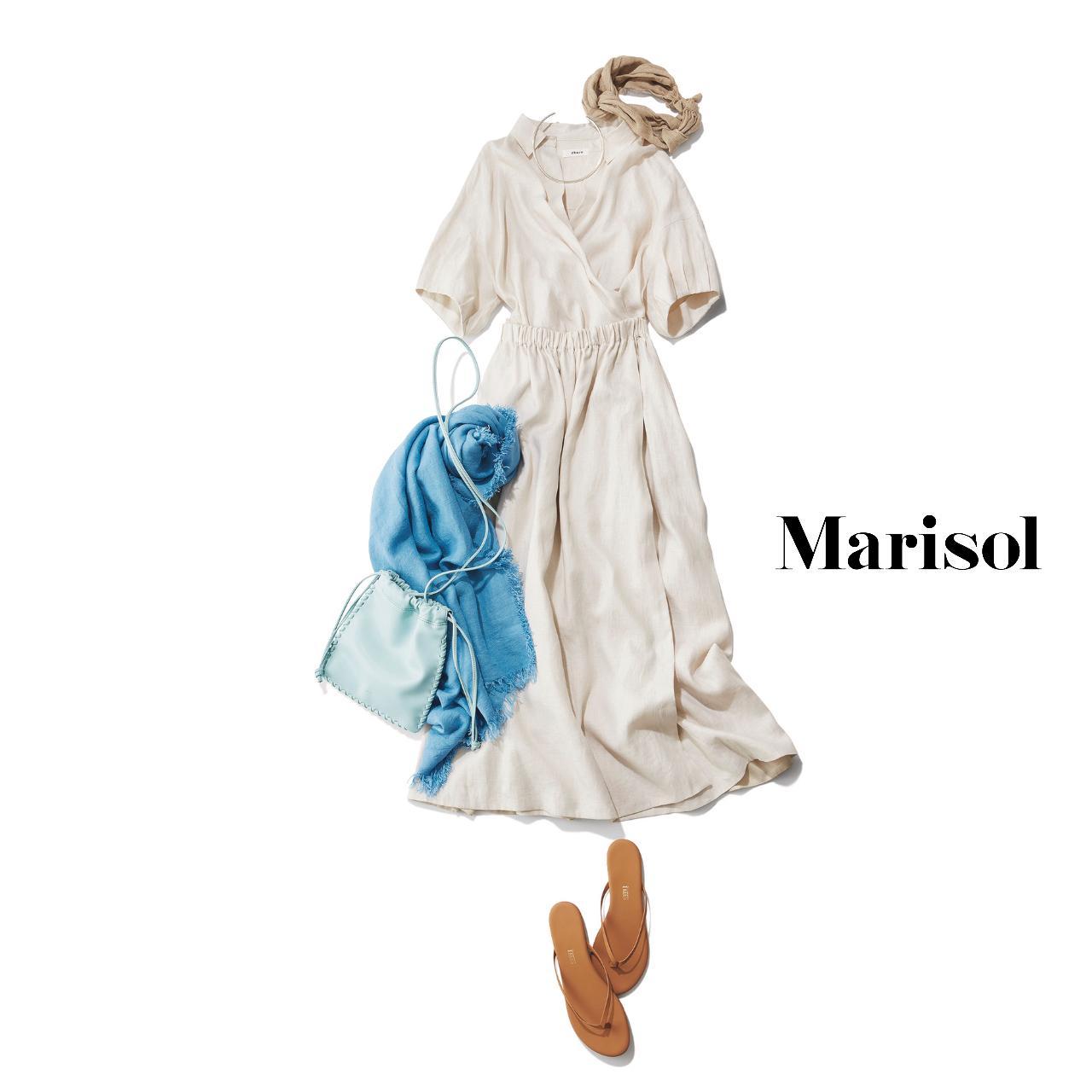 40代ファッション  生成りのワンピース×サンダルコーデ