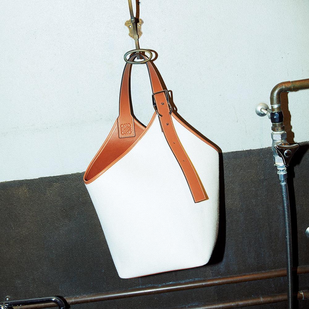 エトロの新作バッグ「レインボーバッグ」