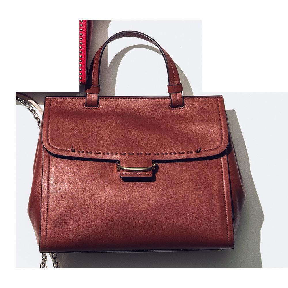 きれいめかつ上質な存在感がカギ「主役級バッグ」をシンプルコーデに取り入れて_1_1-5