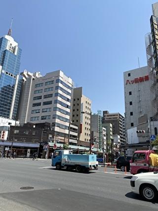 浅草駅方面へ歩きます