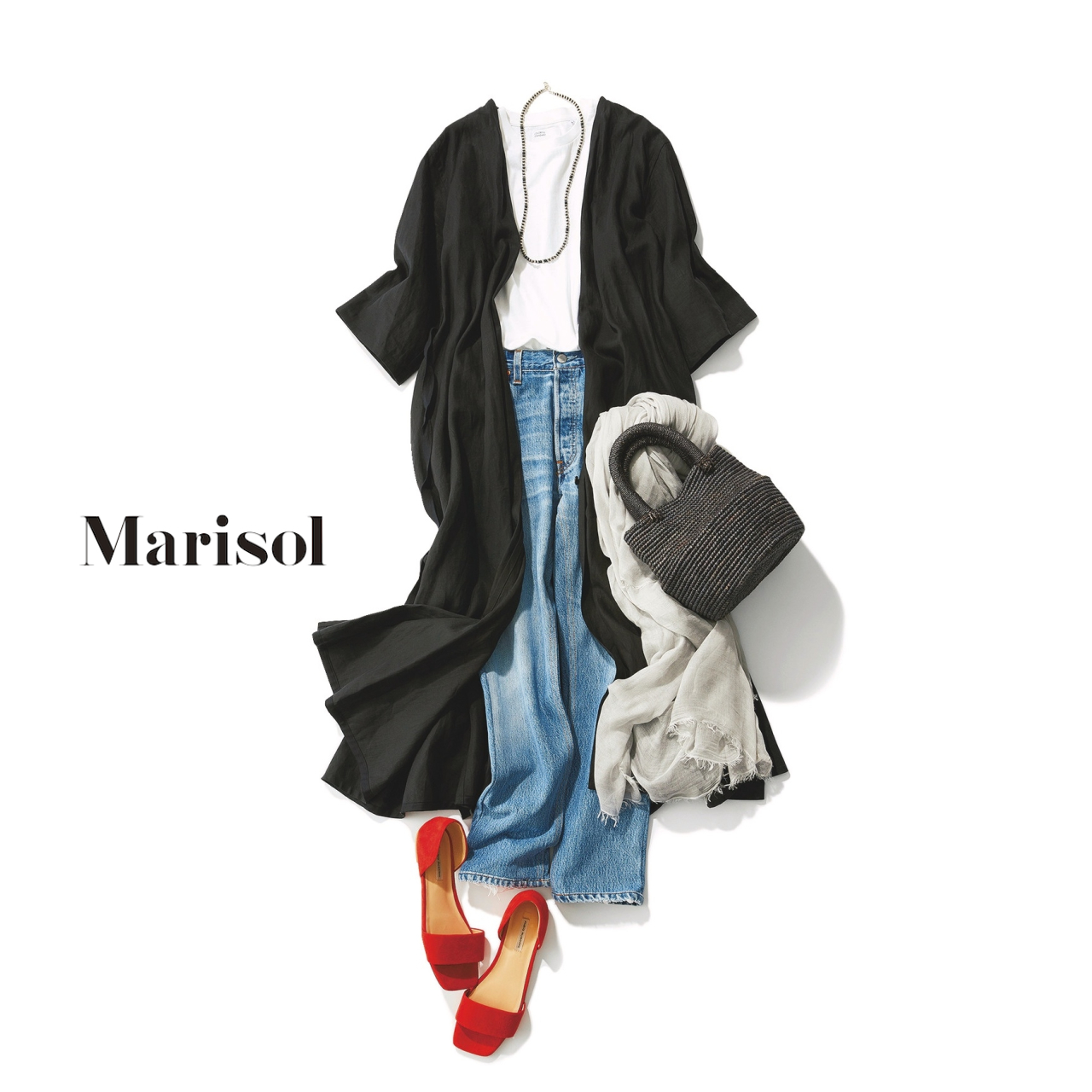 40代ファッション 黒ワンピース×デニムパンツコーデ
