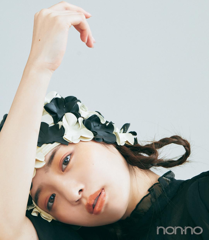 横田真悠のあか抜けコスメモデルカット7-1