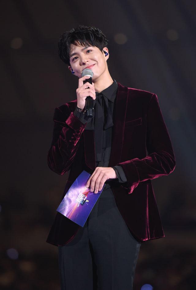 """アジア最大級の音楽授賞式""""MAMA""""が無事終了。 """"TWICE""""、""""EXO-CBX""""、""""Wanna One""""が日本のステージで躍る‼_1_6"""