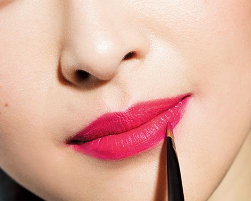 一瞬で旬の顔になる!マットなピンクを唇にのせて_1_5-1