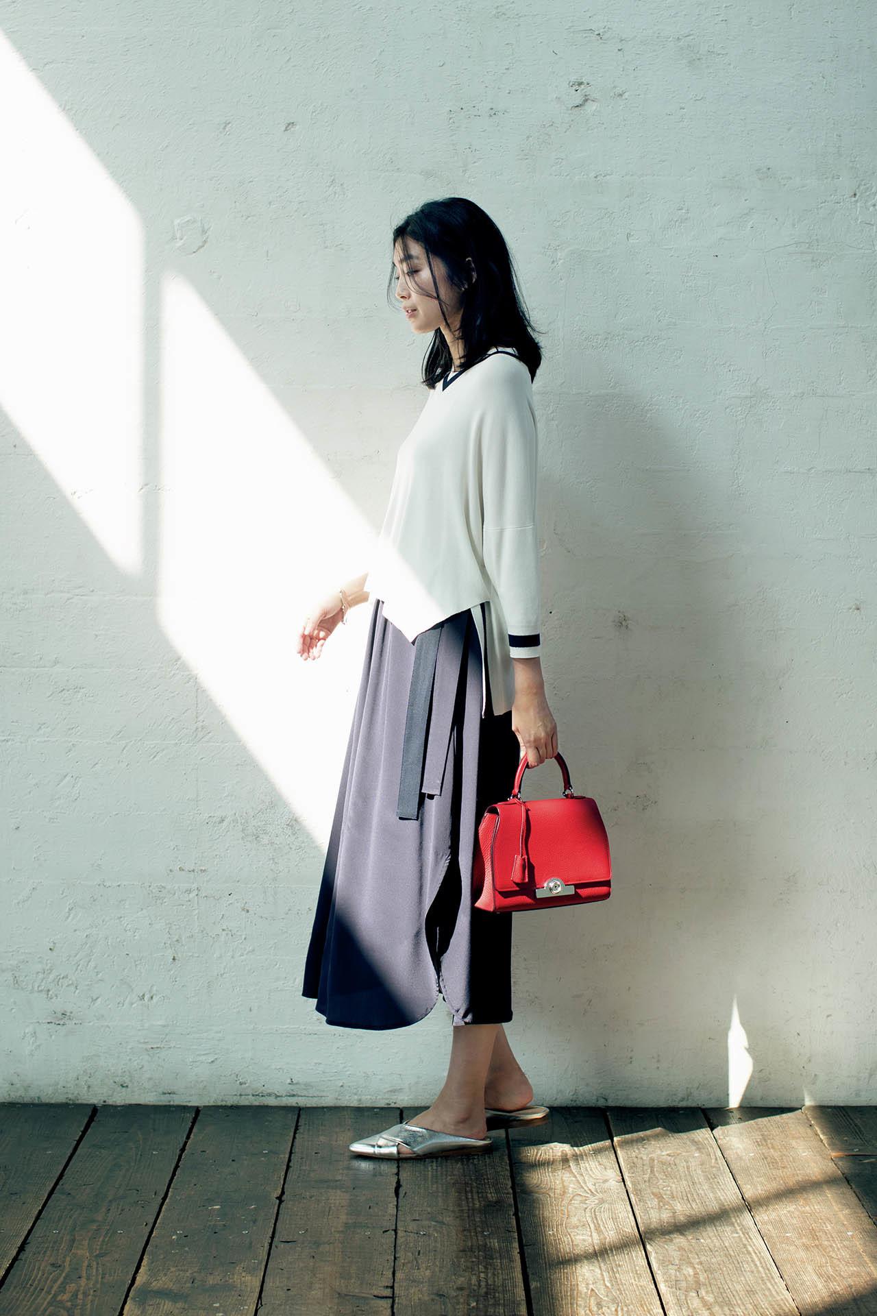 とろみ素材&プリーツスカートがあれば、品ありな女性らしさがかなう! 五選_1_1-2