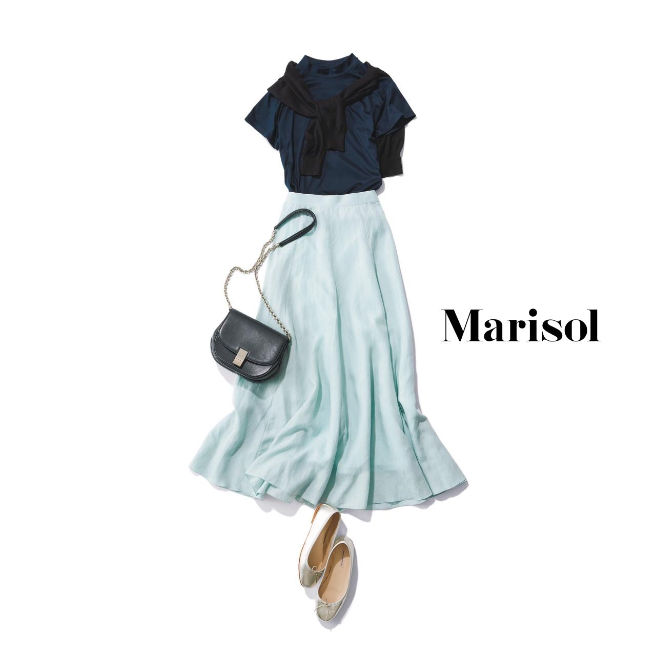 40代ファッション ネイビートップス×スカートコーデ