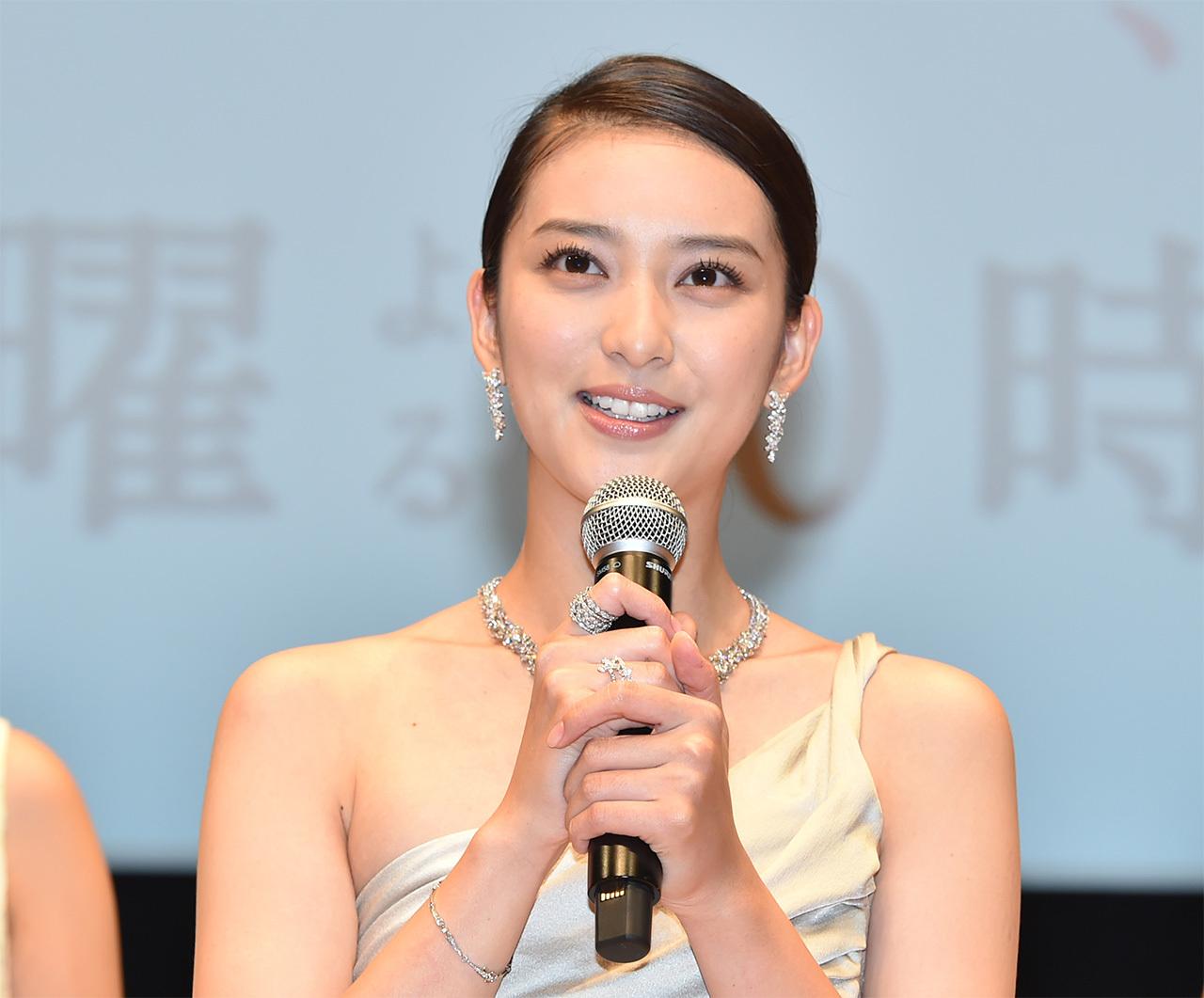 総額1億6000万円!武井咲さんが着用したティファニーのジュエリーをご紹介_1_1