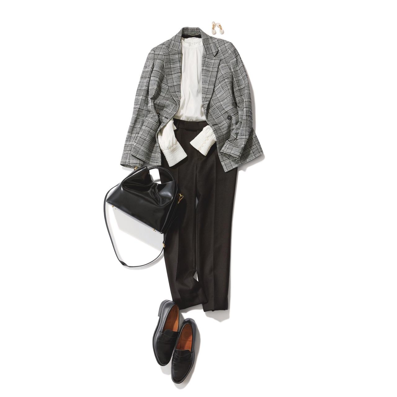 チェック柄ジャケット×黒パンツのファッションコーデ