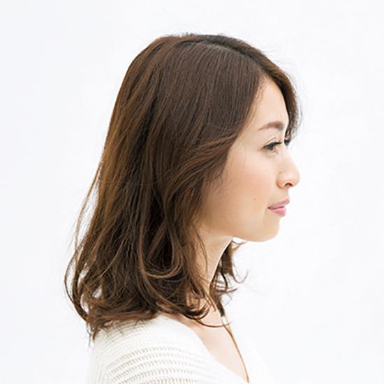 意外と難しいミディアムヘアのボリュームを「外ハネ」パーマで解決【40代のミディアムヘア】_1_2