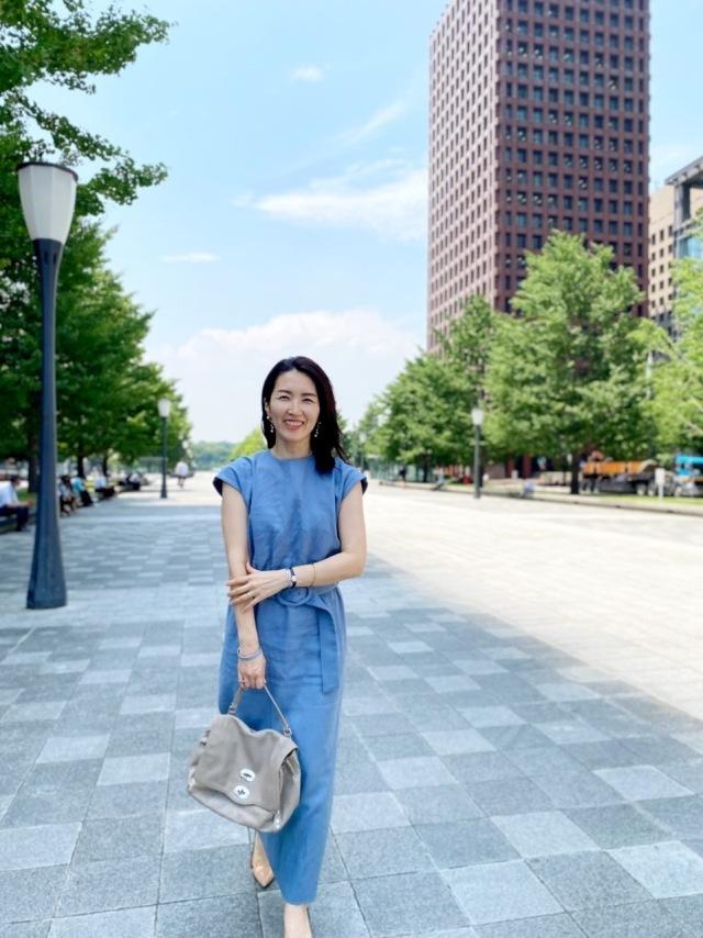 【夏に映えるブルーコーデまとめ】アラフォーが上品かつこなれて見えるコーデのポイントとは? |40代ファッション_1_15