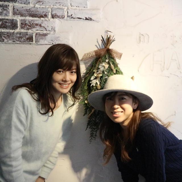恵比寿にある美容室「meets HAND」の田部井さん。(右)