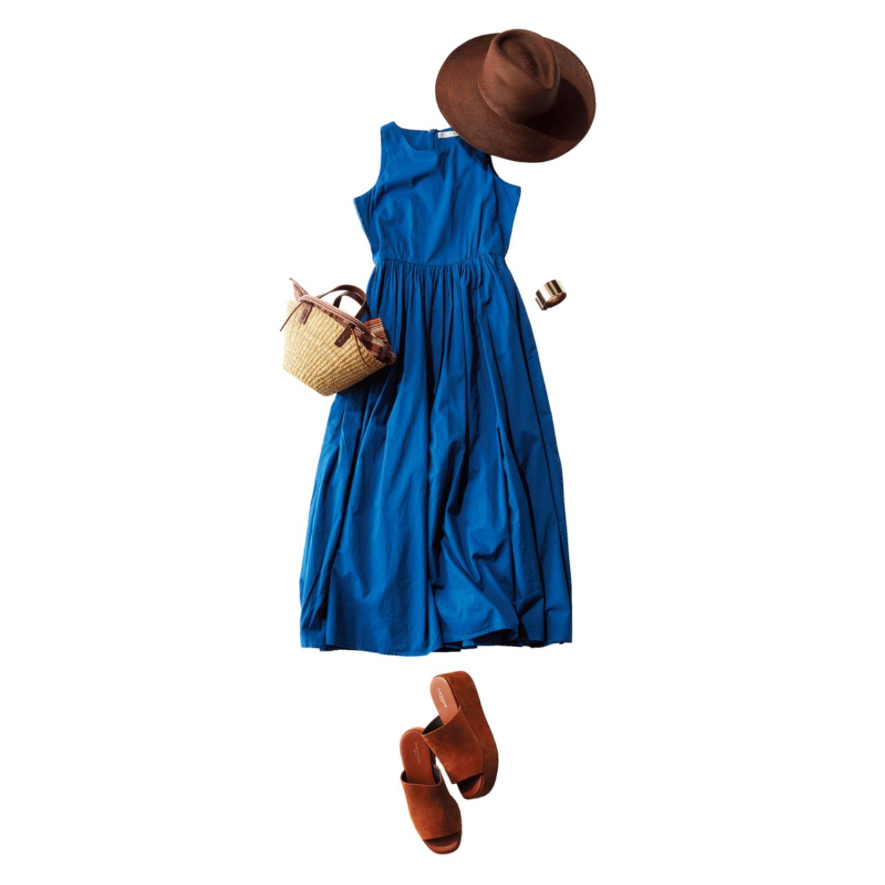 帽子×オーシャンブルーのワンピースコーデ