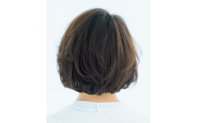 印象変えに効果大のWバングの前髪のバック
