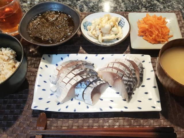 ■木曜日のしめ鯖定食