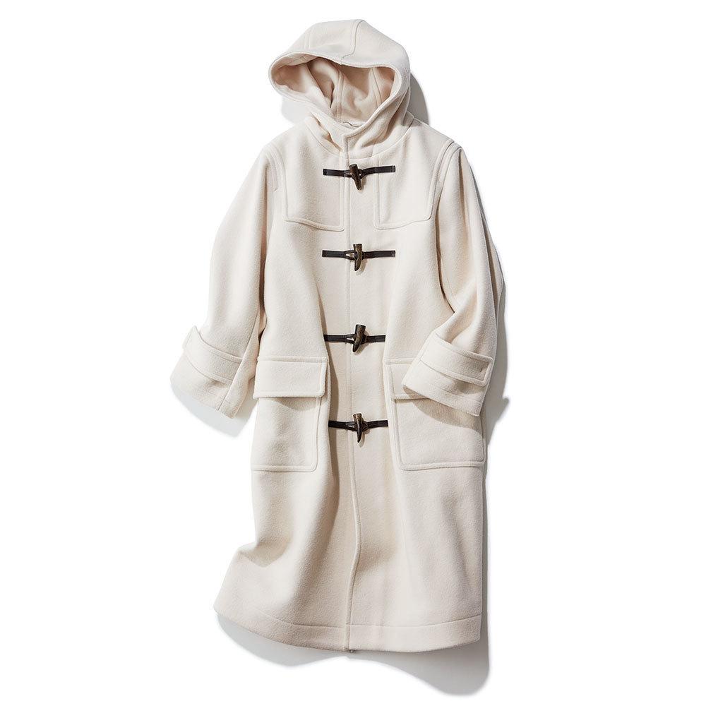 ファッション 白のダッフルコート