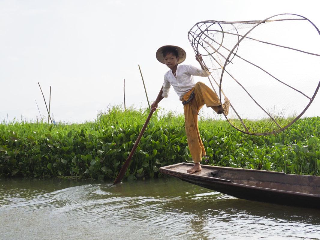 <ミャンマーの旅>こんな所にパゴダ(仏塔)驚きのインレー湖(インレー湖-①)_1_2