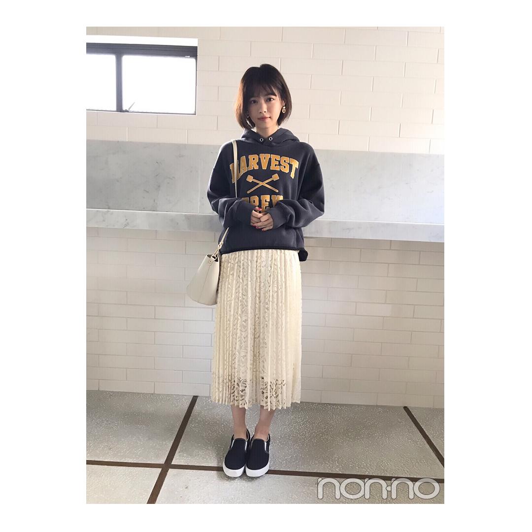 西野七瀬はパーカ×スニーカーでも甘め♡コーデ【毎日コーデ】_1_1