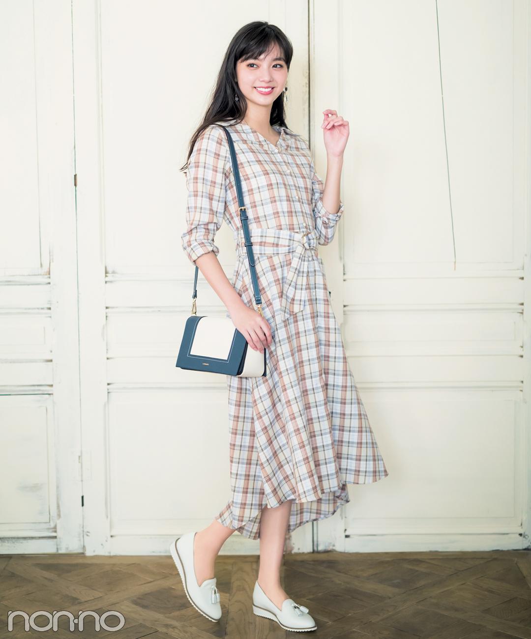 【夏のワンピースコーデ】新川優愛の、白ベース&淡色チェックワンピースで清潔感大人っぽコーデ