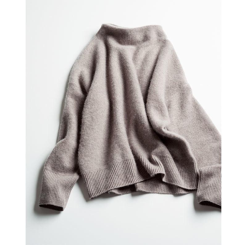 エディター三尋木奈保さんがこの冬ヘビロテの淡い色アイテム_1_2-2