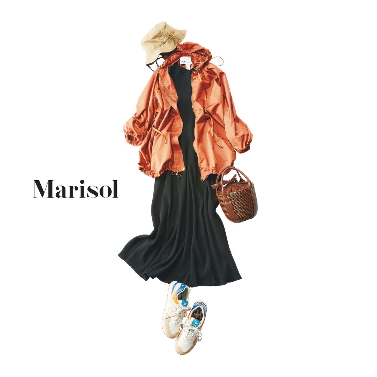 40代ファッション ナイロンアウター×黒ワンピースコーデ