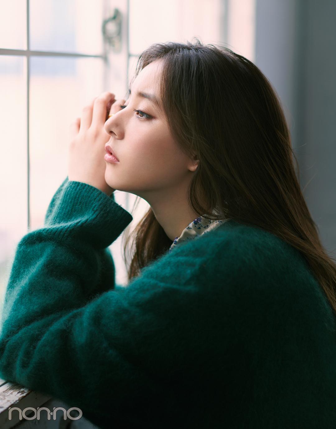 新木優子主演・ニットの恋愛物語。先輩からの告白、どうする?【ニットを着るなら、エモいほう。vol.4】_1_4