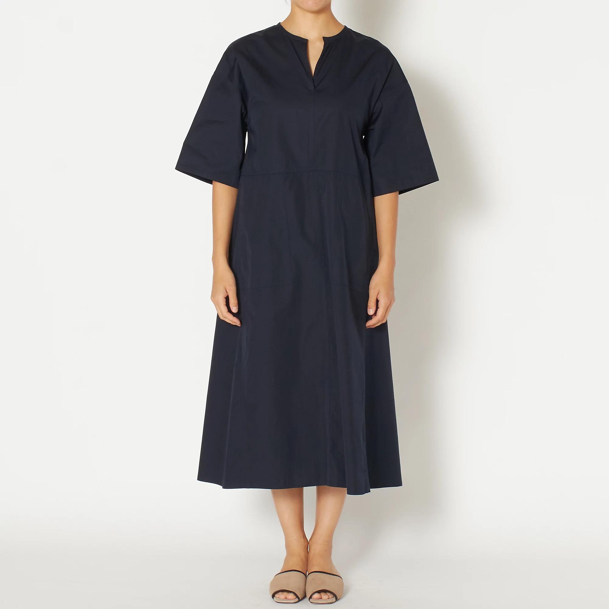 TICCA キーネックロングドレス ¥31,900(税込)