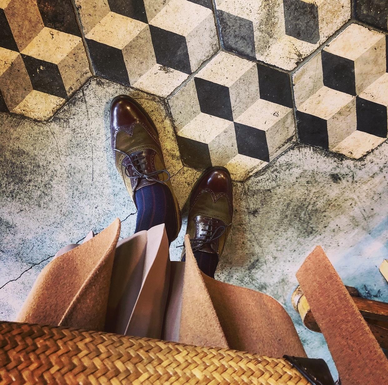ぐっとくる靴。Ferragamoカーキのウイングチップ_1_3