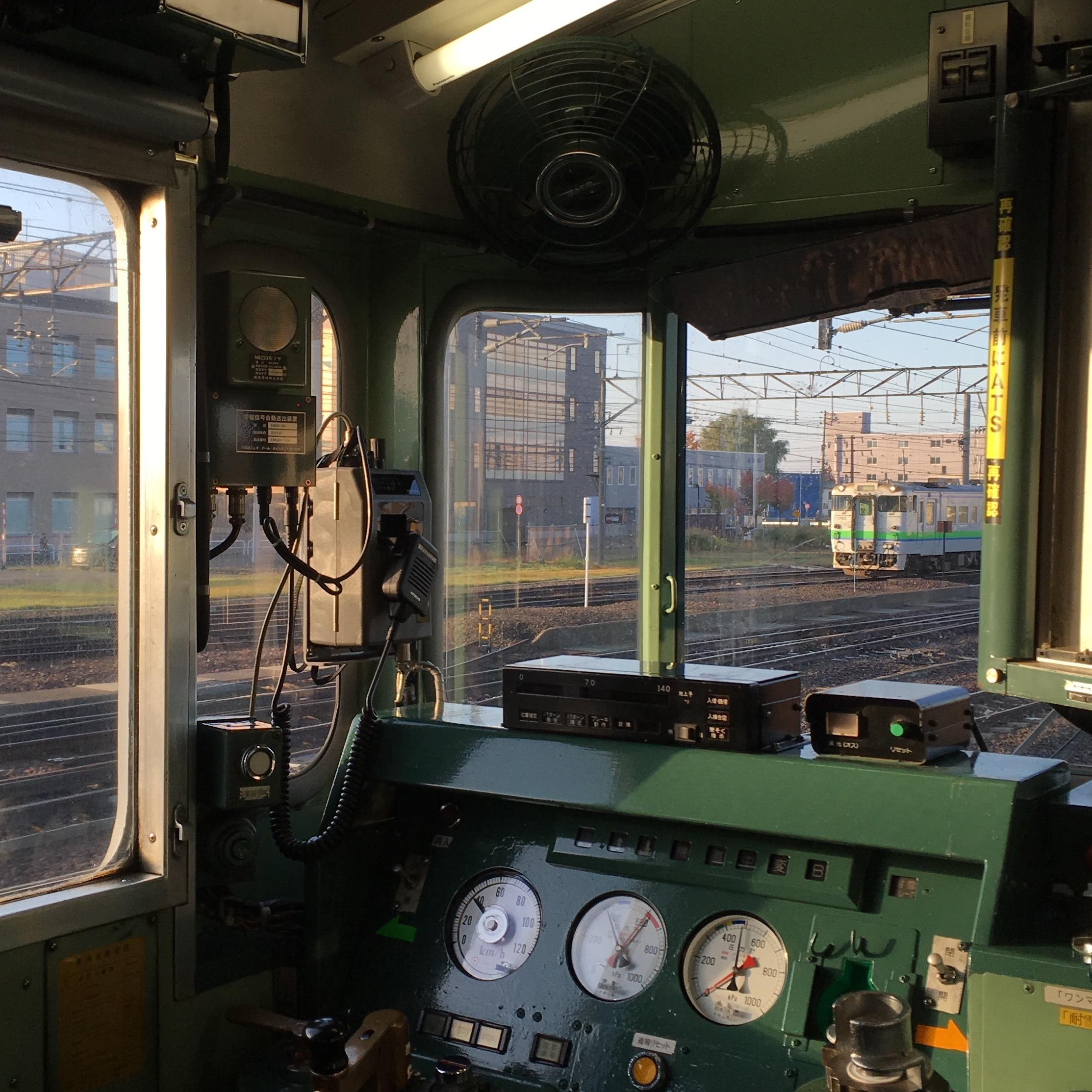 何もないことのよさを味わう、小さな駅への旅。_1_1-2