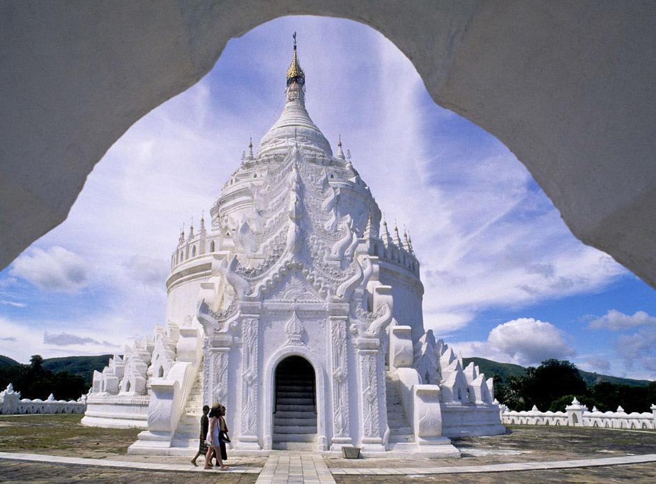 <ミャンマーの旅>マンダレー信仰の要、マハムニ仏に手を合わせる(マンダレー①)_1_5-2