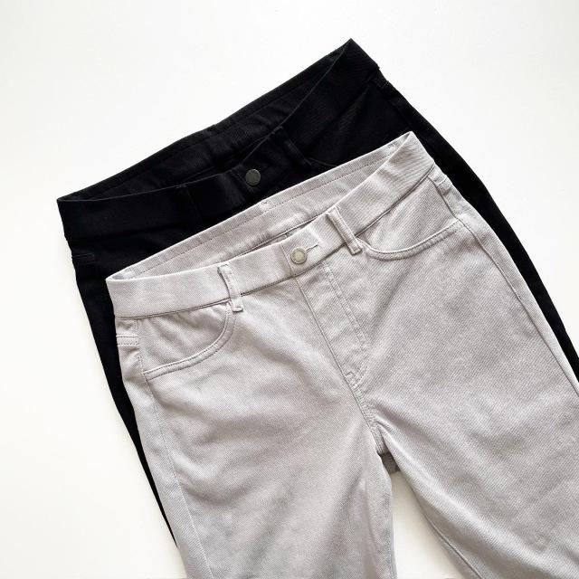 『ユニクロ』2色買いした名品パンツ!【tomomiyuコーデ】_1_1