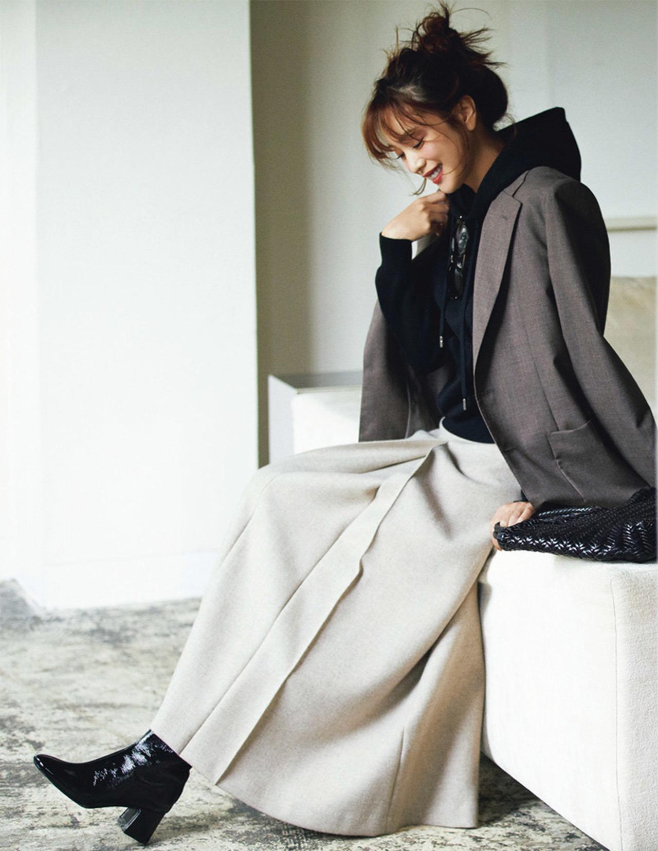 ■フーディ×ジャケット×ロングスカートコーデ
