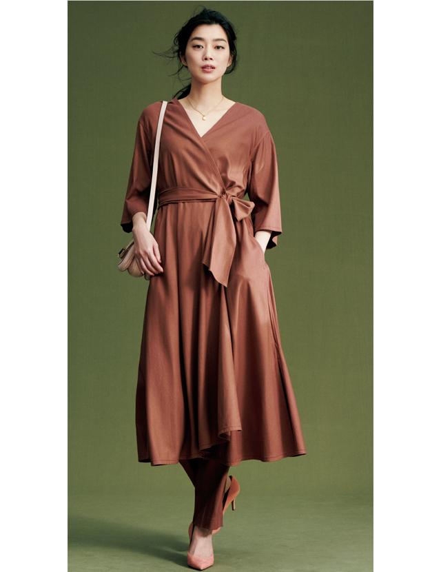 コートドレスとパンツのセットアップは