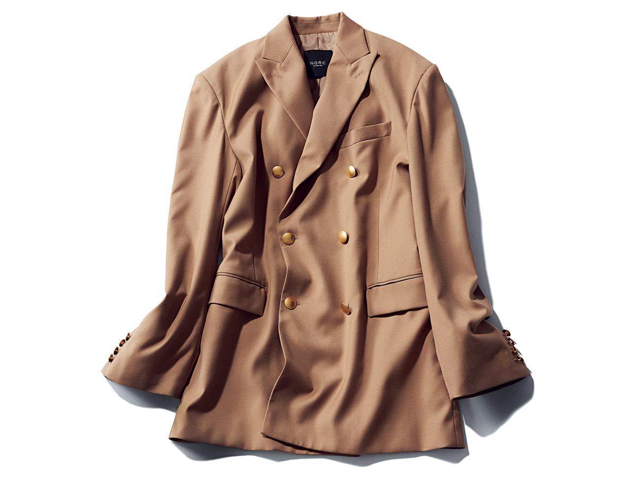 ベージュのダブルジャケット