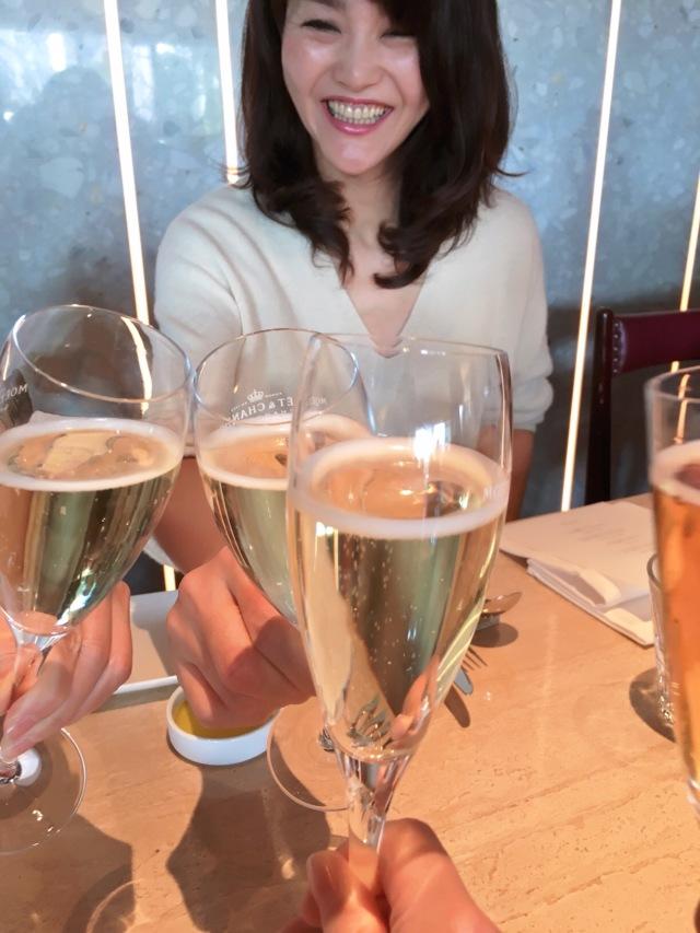 同期のNo.66 risaさん、No.69 かんちゃん、No.70 Keiちゃんと乾杯☆笑顔のかんちゃん♥