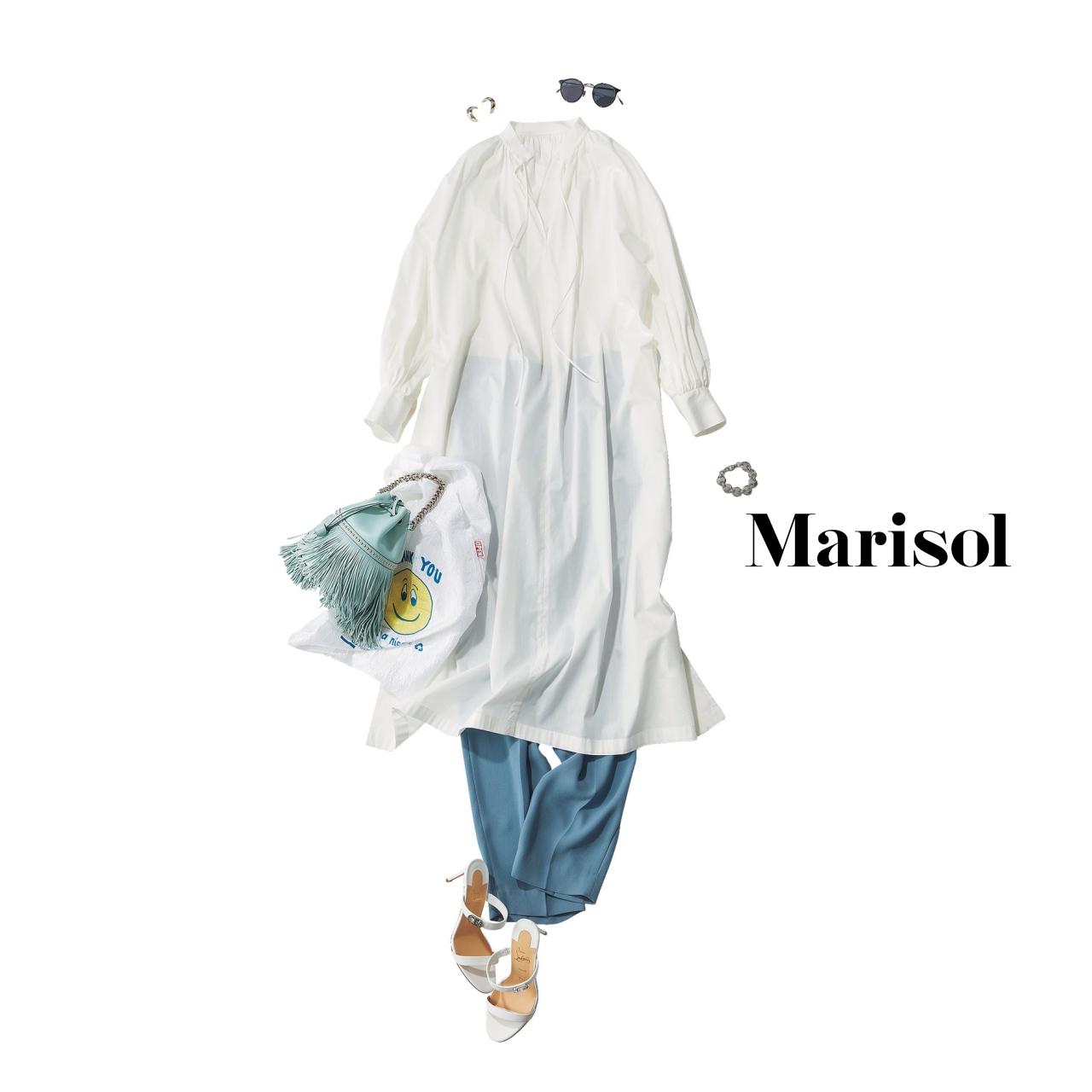 40代ファッション  白ロングシャツ×ブルーパンツコーデ